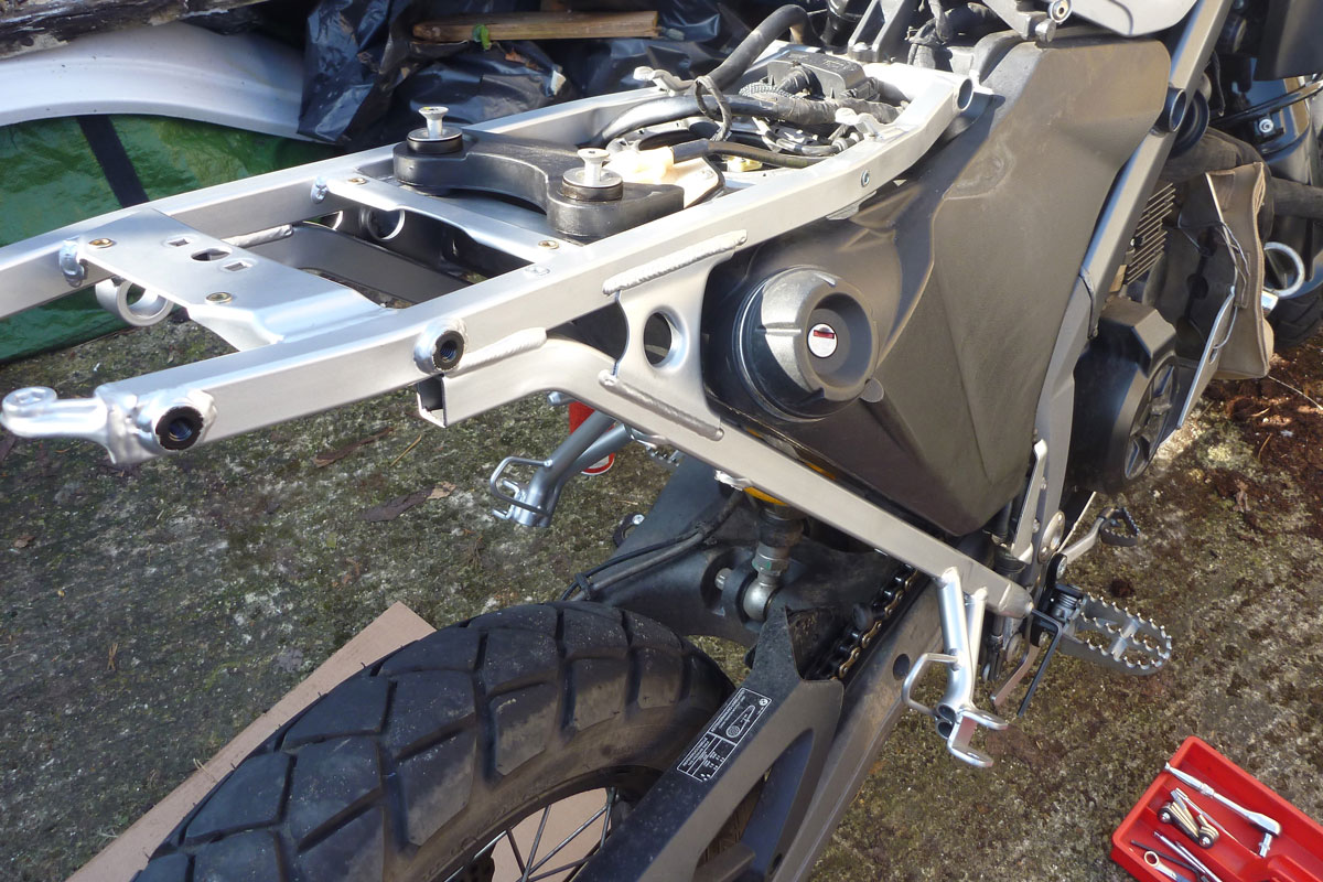 BMW 650 Xcountry subframe swap |