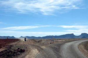 Rejoining the road near Issil
