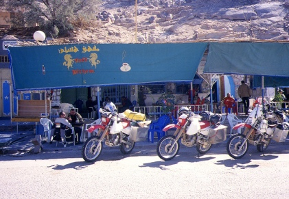 Arrival in Djanet; straight to the cafe!