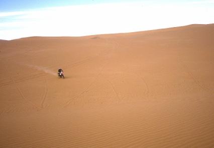 Crossing the sands to Ain el Hadjadj